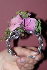 Bransoletka florystyczna z kwiatem hortensji