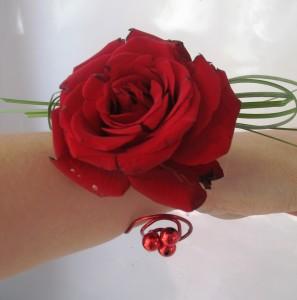 Bransoletka kwiatowa duża czerwona