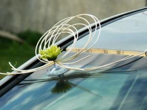 Ślubna ozdoba z ratanu na auto