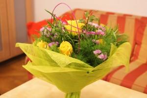 Bukiet okolicznościowy z żółtymi różami