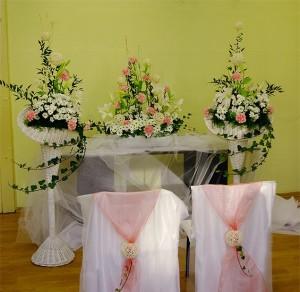 dekoracja -ślubna-głównego-ołtarza