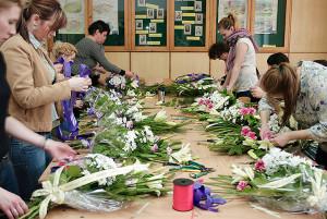 Florystki na kursie florystycznym