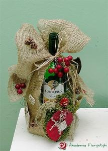 Florystyczna dekoracja wina