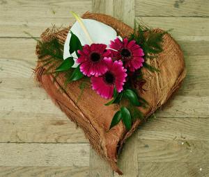 Florystyka okazjonalna - serce na grób