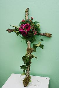 Krzyż żałobny z brzozy