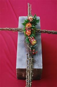 Krzyż żałobny z cierniami