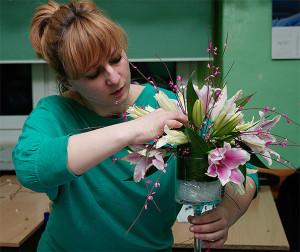 Kurs florystyczny - kompozycja w naczyniu