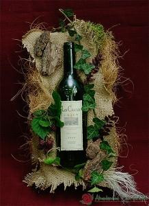 Ozdobne pakowanie butelek - dekoracja z liśćmi