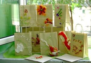 Ręcznie robione ozdoby na torby z prezentami