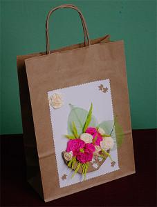 torba na prezent ozdobiona ręcznie