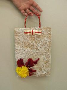 Zdobiona torebka na prezenty