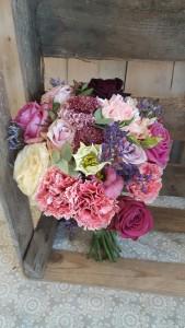 bukiet ślubny w rózowych kolorach