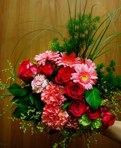 Bukiet walentynkowy z różami, gerberami i goździkami
