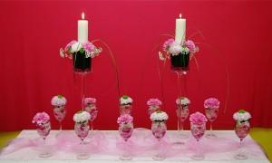 Dekoracja sali weselnej - świece i kieliszki
