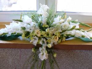 Dekoracja stołu weselnego - gladiole i eustomy