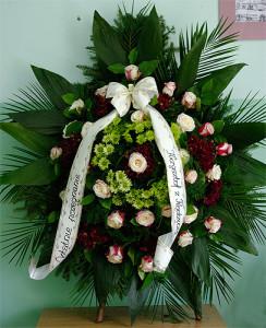 Wieńce na Wszystkich Świętych - Wieńce pogrzebowe z białą wstążką