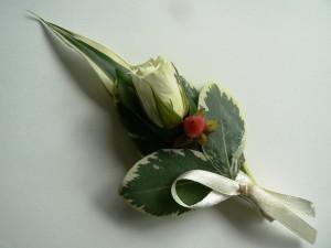 Kwiatowa przypinka do ubrania