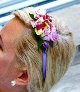 przypinka ślubna ze storczykiem