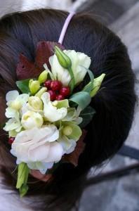 przypinka do włosów z kwiatami