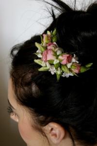 przypinka do włosów z kwiatami różowymi