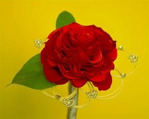 walentynkowa róża z ozdobami