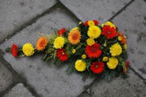 Wiązanka na grób żółto-czerwona