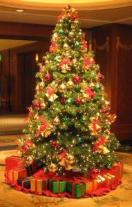 Duża kolorowa choinka Boże Narodzenie