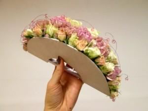 Wachlarz ślubny różowy z ozdobami