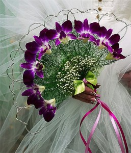 Ślubne wachlarze kwiatowe - flioletowe