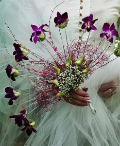 Wachlarz ślubny fioletowy zdobiony
