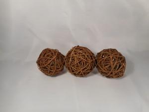 trzy kule z rattanu do kompozycji florystycznej