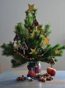 Dekoracja domu choinką Bożonarodzeniową