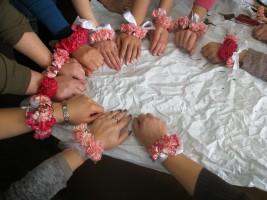 Biżuteria kwiatowa wykonana na kursie na florystycznym