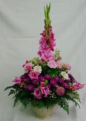 bukiet z różowych kwiatów w naczyniu