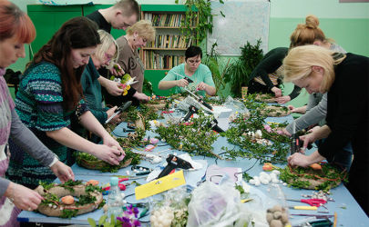 Kursy florystyki - praca w skupieniu