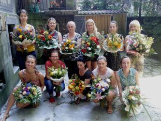 Kursy florystyczne - wspólne zdjęcie na koniec