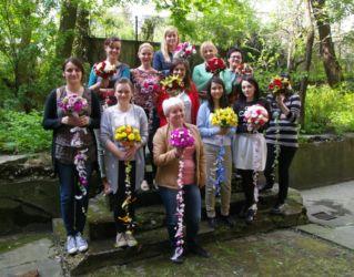Szkoła florystyczna Kraków - zdjęcie grupowe po kursie