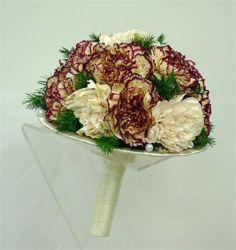 bukiet ślubny biedermeier z goździkami