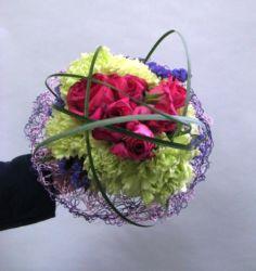 bukiet ślubny na kryzie z drutu