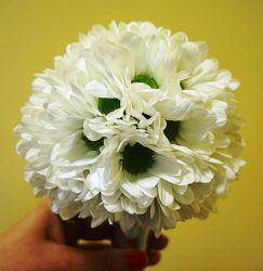 bukiet ślubny okrągły biały