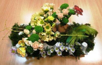 florystyczny stroik na wielkanoc