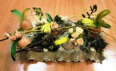 florystyczny stroik wielkanocny