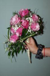 Różowe róże w rożku - bukiecik