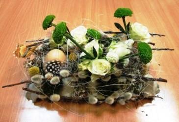stroik florystyczny na wielkanoc