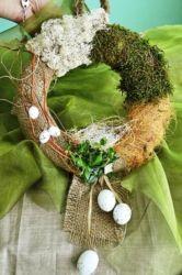 wianek wielkanocny z jajkami